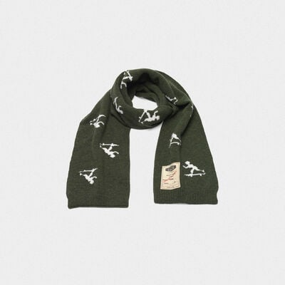 Michio scarf made of wool with vintage logo label