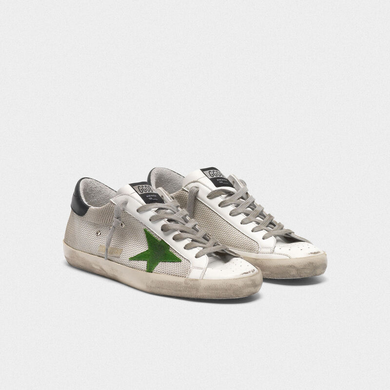 Golden Goose - Sneakers Superstar en cuir et mesh avec étoile verte in  image number null