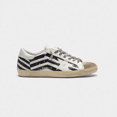 Sneakers Superstar in pelle con serigrafia flag