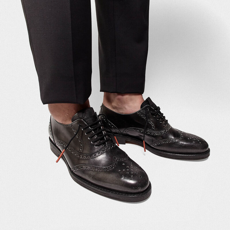 Golden Goose - Scarpe Ball in pelle con brogue sulla punta in  image number null