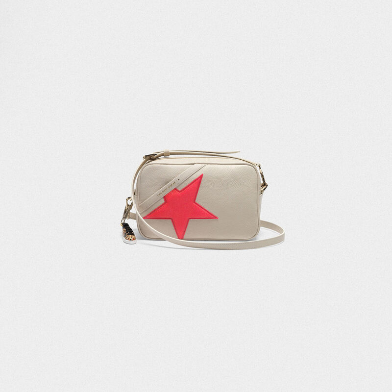 Golden Goose - Star Bag made of pebbled leather with neon pink star in  image number null