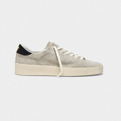 Sneakers High End in suede con logo traforato