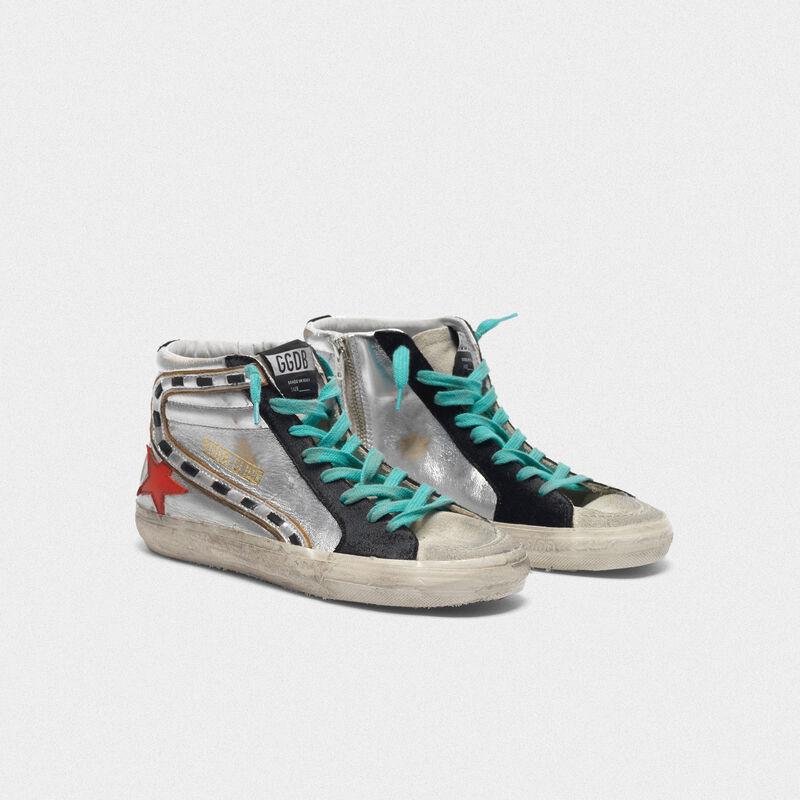 Golden Goose - Sneakers Slide in pelle laminata argentata e stella rossa in  image number null