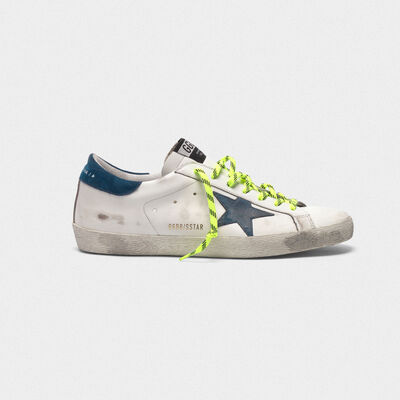 Sneakers Superstar bianche con lacci fluo trekking