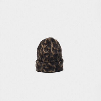 Kiku jaguar jacquard beanie made of brushed mohair wool