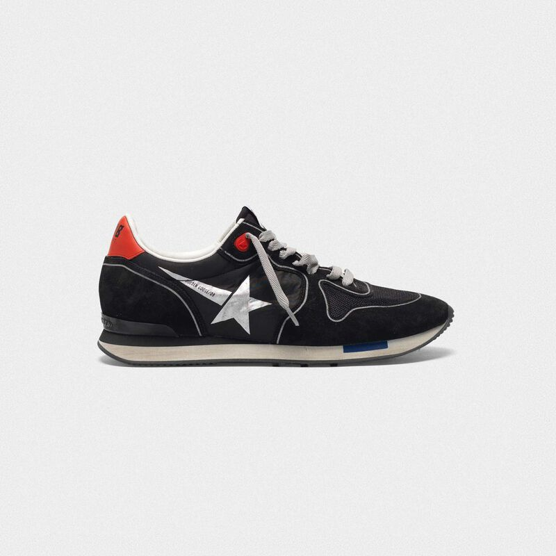 Golden Goose - Sneakers running in black suede con stella a contrasto in  image number null