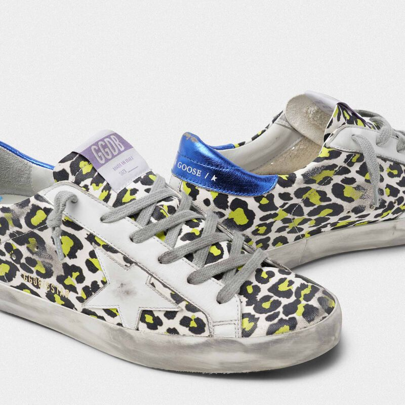 Golden Goose - Sneakers Superstar animalier con talloncino blu laminato in  image number null