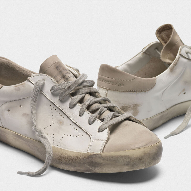 Golden Goose - Sneakers Superstar in pelle con stella traforata in  image number null