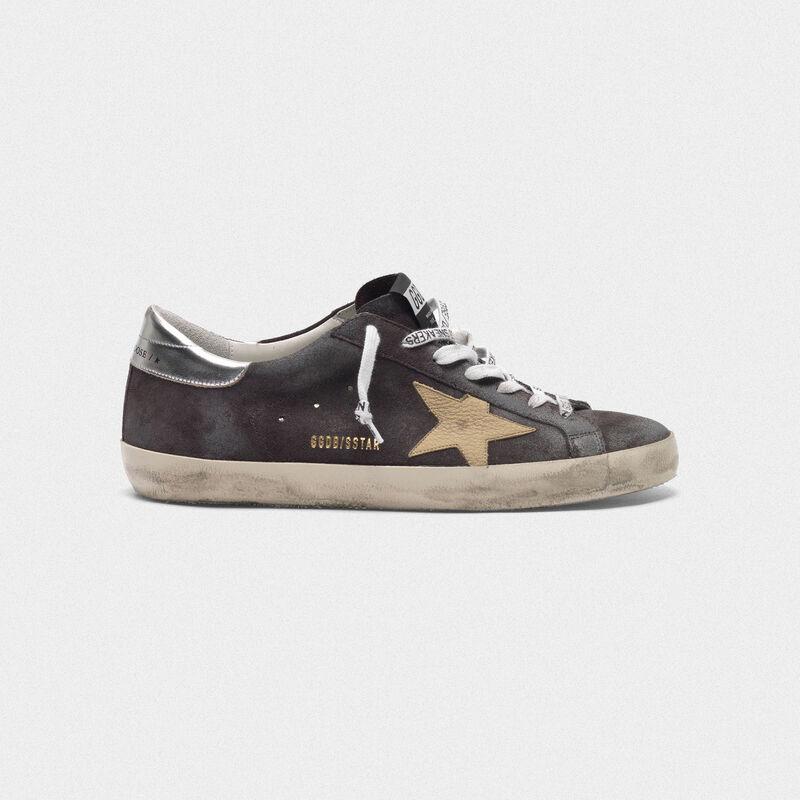 Golden Goose - Sneakers Superstar grigie in suede stella nude in  image number null