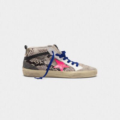Sneakers Mid-Star in pelle stampa serpente con stella fuxia