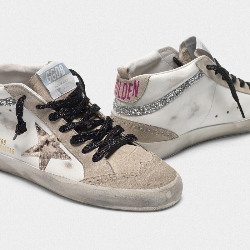 Golden Goose - Sneakers Mid-Star in pelle con stella pitonata e inserti glitter in  image number null