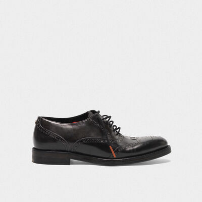 Ball shoes made of leather with brogue on the toe