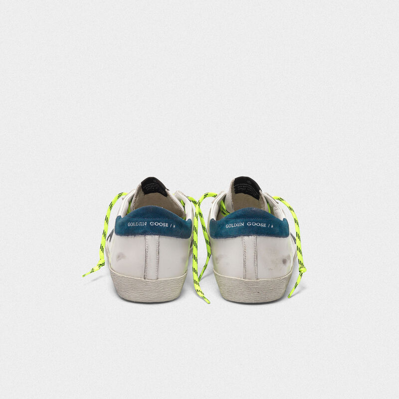Golden Goose - Sneakers Superstar bianche con lacci fluo trekking in  image number null
